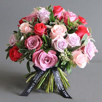 mixed Equadorian lilac rose bouquet