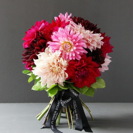 pink-red-dahlia-luxury-bouquet