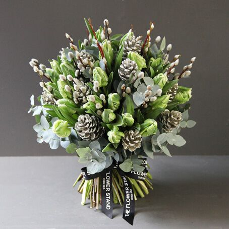 festive-christmas-tulips-luxury-flowers-london-gifts-same-day