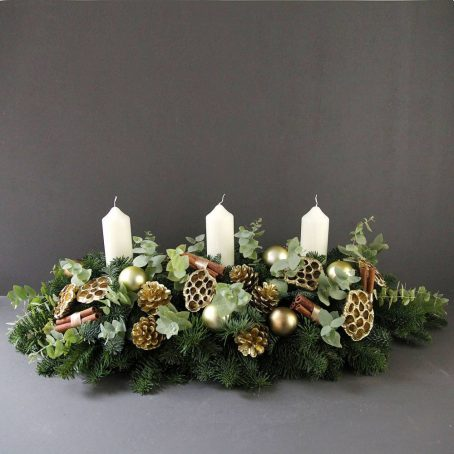 golden-christmas-advent-centrepiece-wreath