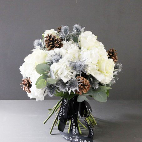 white-silver-luxury-christmas-bouquet