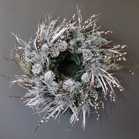 silver-dust-willow-wreath